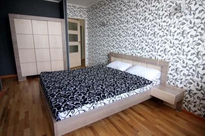 Спальня квартиры стандарт у моря в Аркадии.
