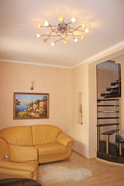Двухкомнатная квартира Александровский проспект